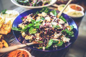 Kraftig salat med Bernstein Grube ost